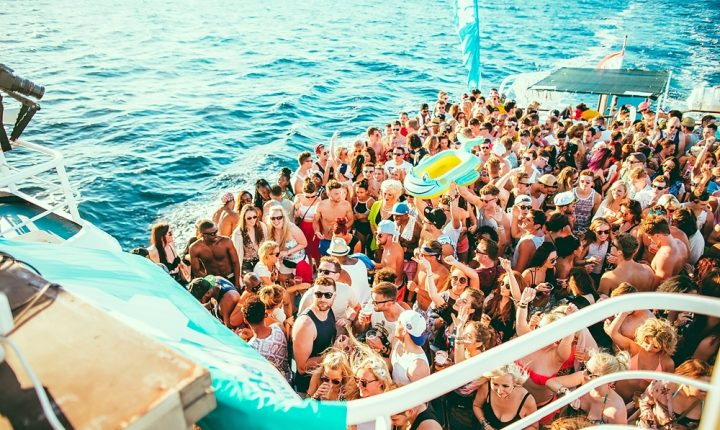 Friends Boat Party